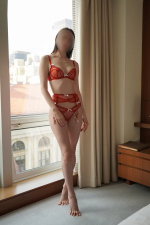 Ilhana escort in Glenpool