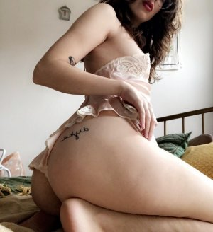 Elyette incall escorts in Countryside